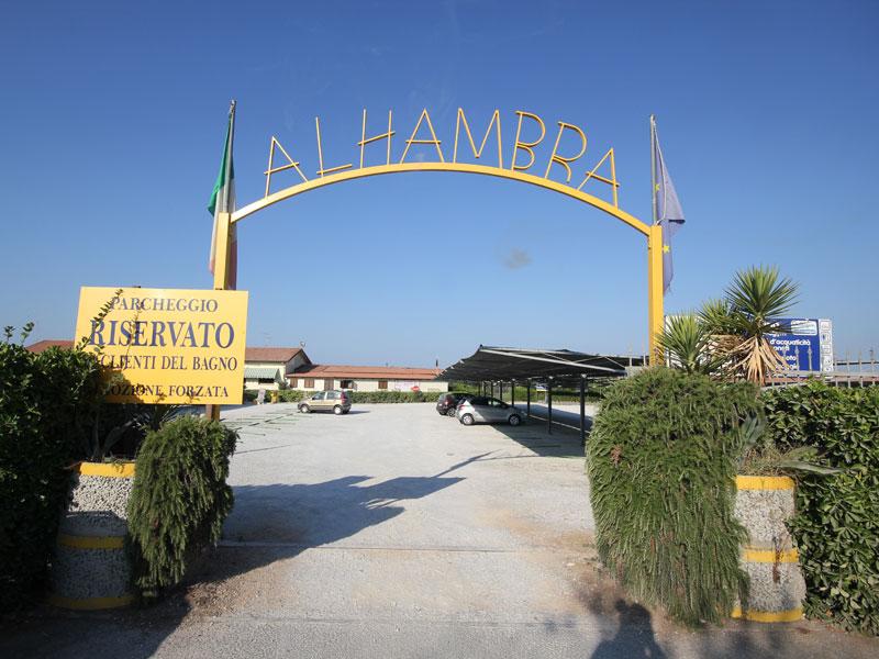 Stabilimento Balneare Viareggio Bagno Alhambra con Piscina in ...
