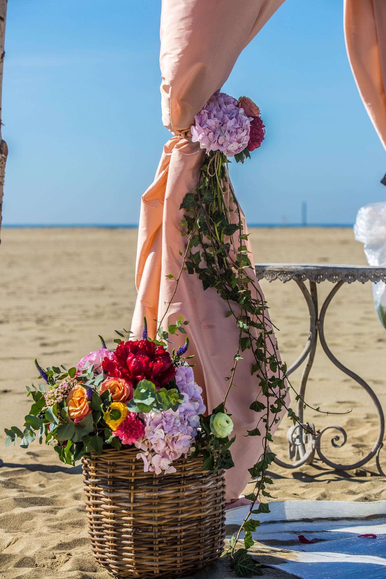 Matrimonio Riva Al Mare Toscana : Sposarsi sulla spiaggia in toscana bagno alhambra di viareggio