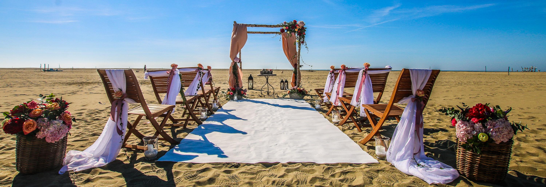 Matrimonio Spiaggia Toscana : Matrimonio sulla spiaggia in toscana bluemaremma viaggi