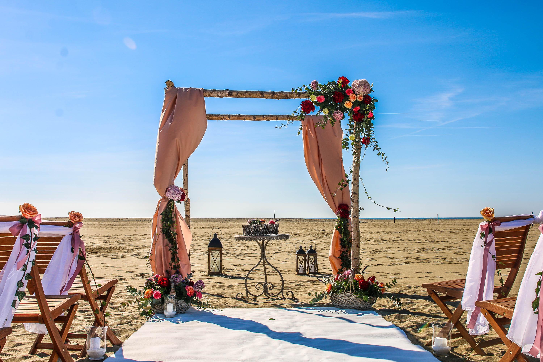 Matrimonio Spiaggia Toscana : Matrimonio in spiaggia italia quale rito è possibile e dove